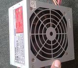 Boîte d'Alimentation 420W / Cable 6pin