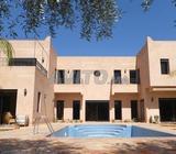 jolie villa piscine jardin moderne à Rte d'Ourika