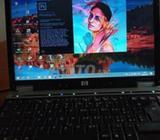 Hp EliteBook 4GB Ram 250 GB disque dur